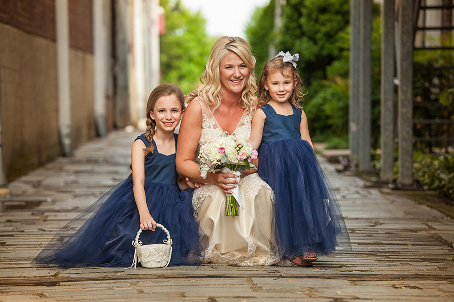 the ladies Nashville wedding photography